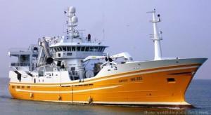 Danemark bateau peche pelagique minotiere Isafold